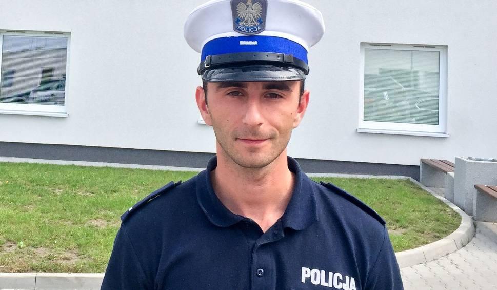 Film do artykułu: Policjant spóźnił się na służbę, bo ratował człowieka z płonącego budynku