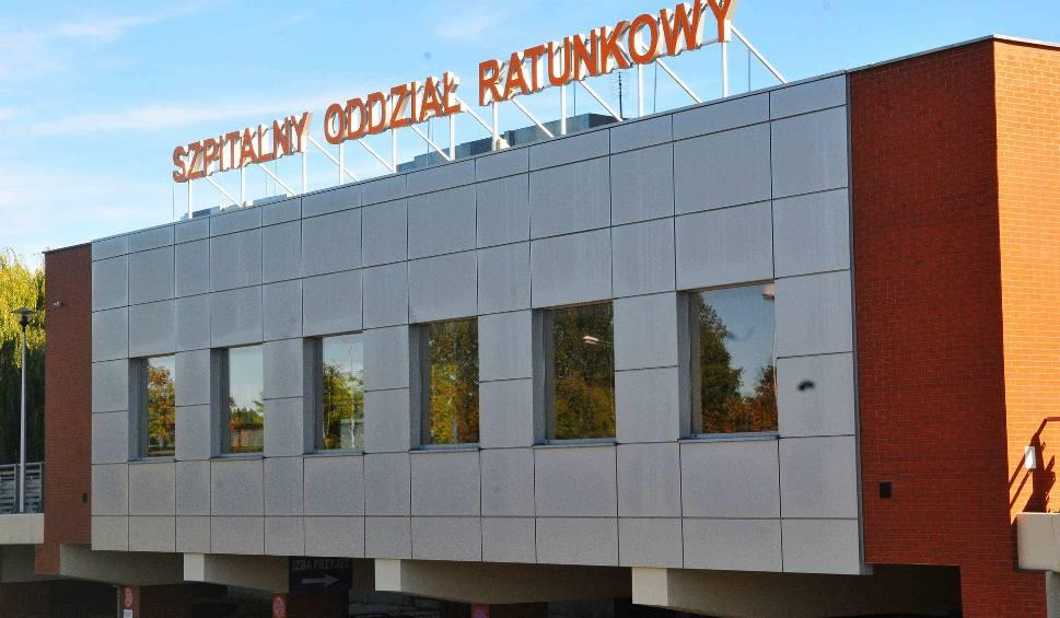 Film do artykułu: SOR w Gorzowie ewakuowany. Na miejsce przyjechały straże pożarne