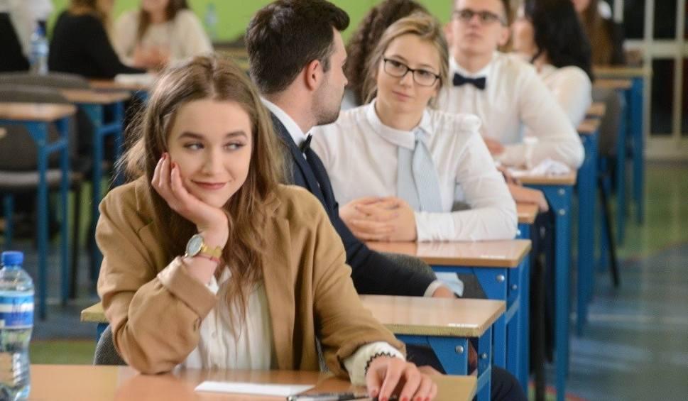 Film do artykułu: MATURA 2019 - JĘZYK POLSKI. 6 maja ruszają matury. Na początek egzamin z języka polskiego na poziomie podstawowym i rozszerzonym