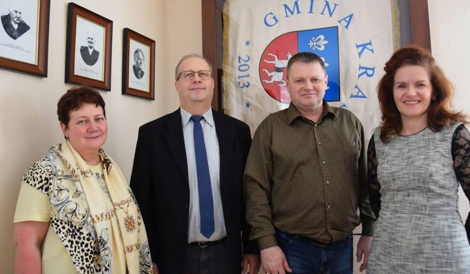 Film do artykułu: Polska rodzina z Kazachstanu aklimatyzuje się w Krasocinie. Poznajcie ich