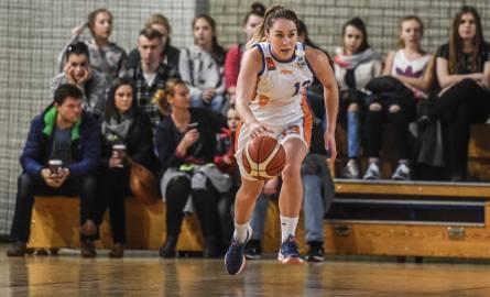 Iwona Szarzyńska w niedzielnym meczu zdobyła dla Pomarańczarni MUKS 10 punktów