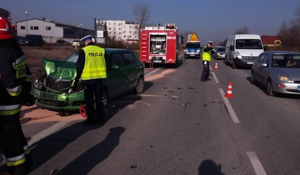 Film do artykułu: Wypadek w Bilczy  na krajowej drodze numer 73. Trzy auta rozbite