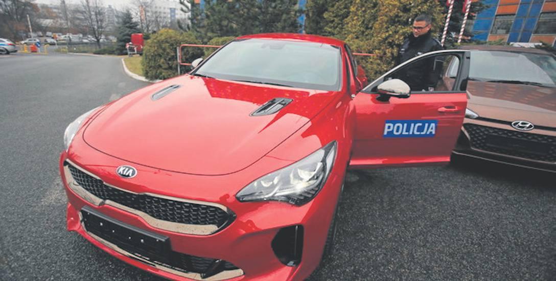 Auta południowokoreańskiej marki Kia Stinger pierwszy raz zasiliły flotę polskiej policji. Śląska policja ma osiem takich aut