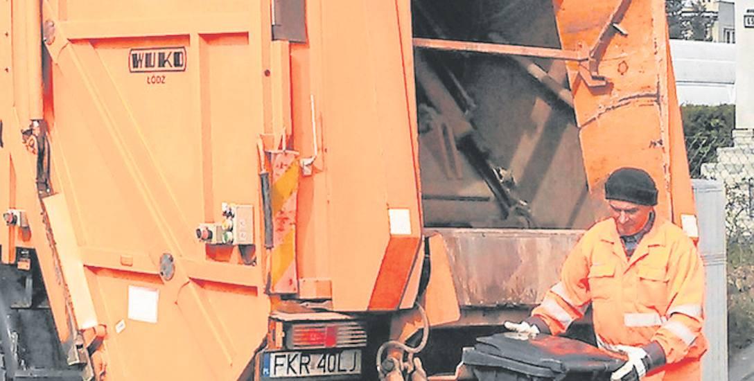 Firma zajmująca się śmieciami na terenie gminy Krosno Odrz. nie zawsze dotrzymywała terminów lub pomijała niektóre posesje.