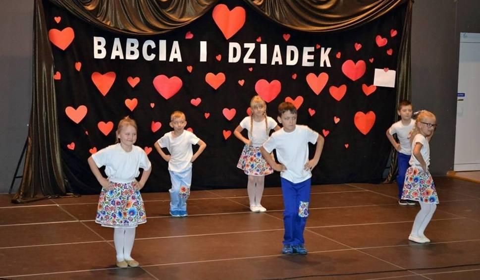 Film do artykułu: W Nagłowicach świętowano Dzień Babci i Dziadka