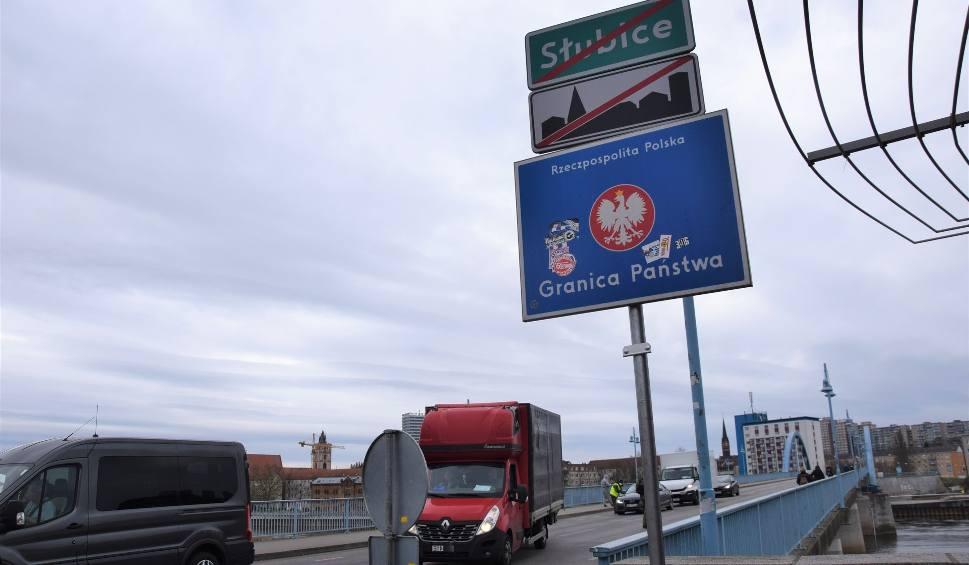 Film do artykułu: Wsparcie dla polskich obywateli dojeżdżających do pracy. Rząd Brandenburgii apeluje: - Zostańcie tutaj!