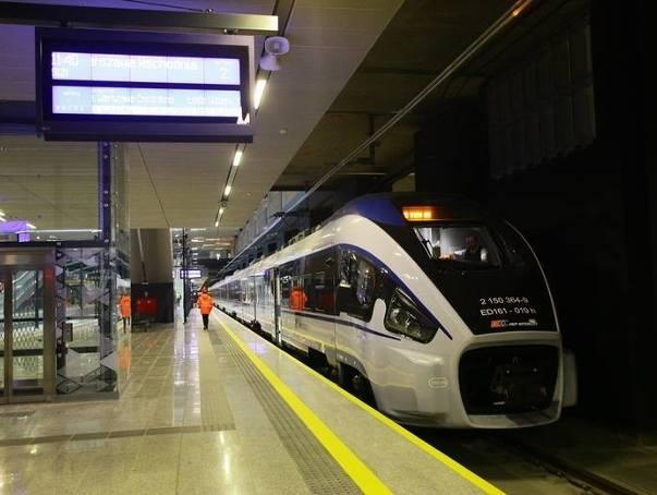 Z Łodzi Fabrycznej będzie można bezpośrednio pojechać do lotniska im. Chopina pociągami Pesa Dart spółki PKP Intercity.