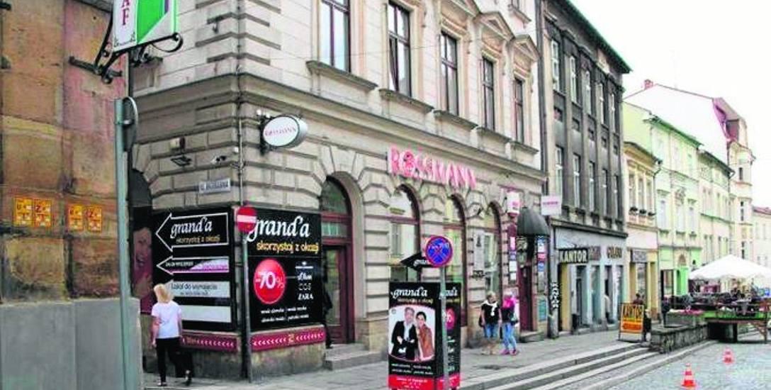 Najbardziej restrykcyjne zapisy dotyczą historycznego centrum Cieszyna. Ze starego miasta znikną szpecące banery