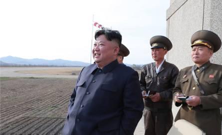 Korea Północna przeprowadziła testy nowej broni taktycznej. Osobiście nadzorował je Kim Dzong Un