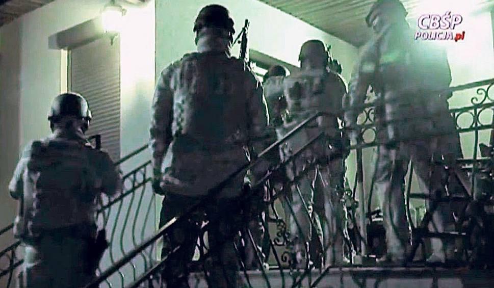Film do artykułu: Rozbito grupę handlującą dopalaczami. Zatrzymano dwie osoby z Rzeszowa