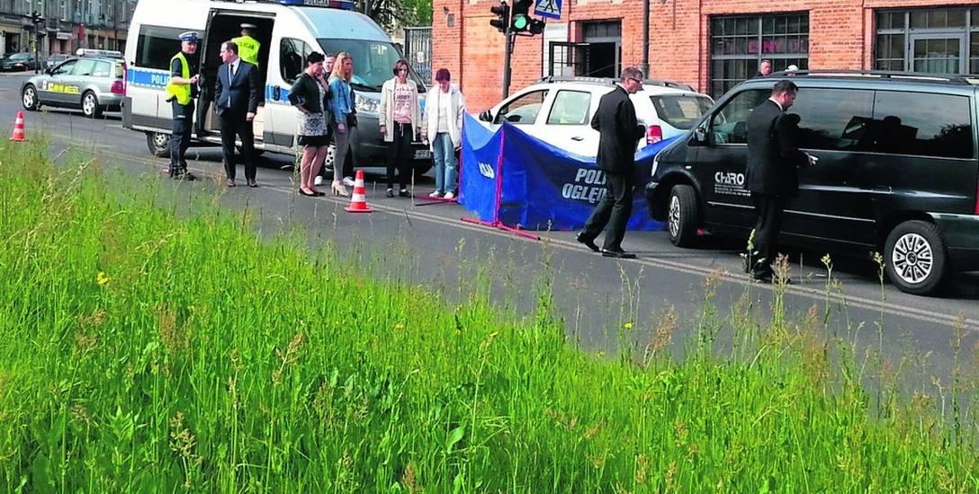 71-latek zmarł  w samochodzie