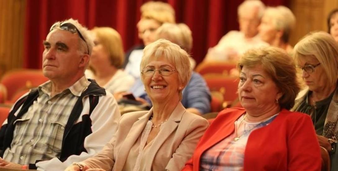 Seniorzy dostaną trzynastą emeryturę tylko raz, a nie - jak wcześniej im obiecywano - każdego roku