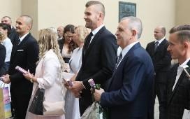 Czołowy Piłkarz Korony Wziął ślub W Kieleckiej Katedrze Koledzy Z