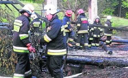 Strażacy z  Wadowic sprawdzili się w trudnych warunkach. Czterech z nich pomoże teraz kolegom