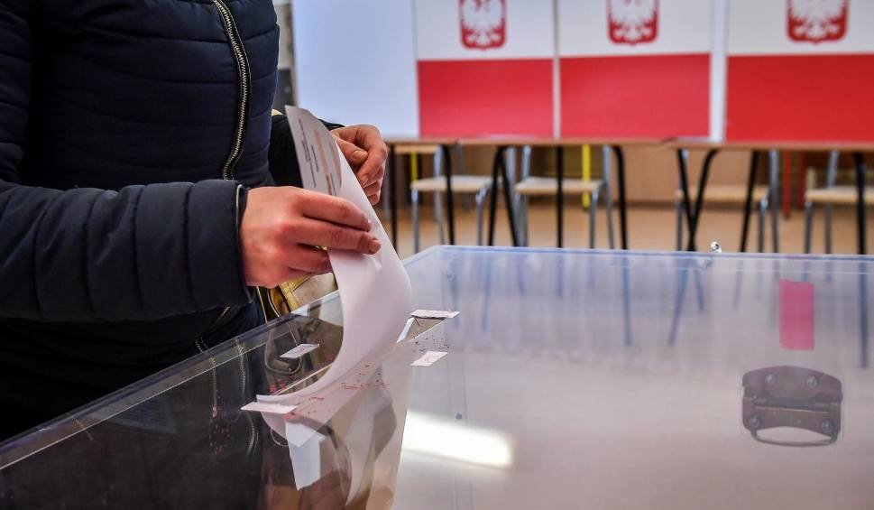 Film do artykułu: Wybory parlamentarne 2019 [DATA] Prezydent podpisał zarządzenie o przeprowadzeniu wyborów 13 października