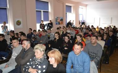 O hejcie i mowie nienawiści rozmawiali z  młodzieżą w Ostrowcu