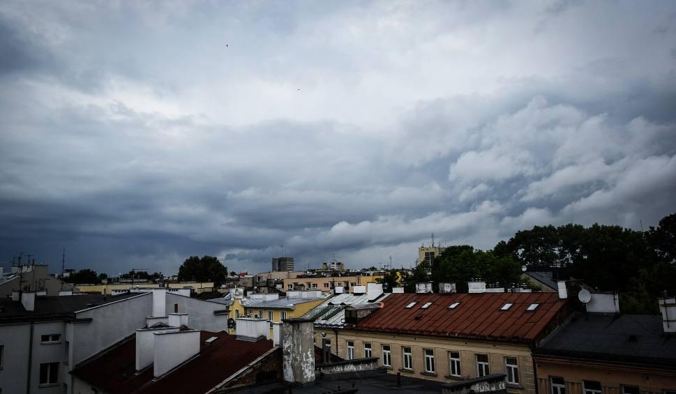 Film do artykułu: Deszcz w woj. lubelskim, a mogą pojawić się też burze, grad i krupa. Kiedy ocieplenie? (WIDEO)
