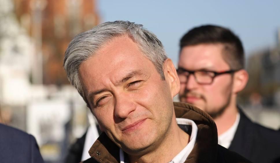 Film do artykułu: Robert Biedroń w Białymstoku zachwalał podlaskich kandydatów do PE. Obiecał też nauczycielom wyższe pensje