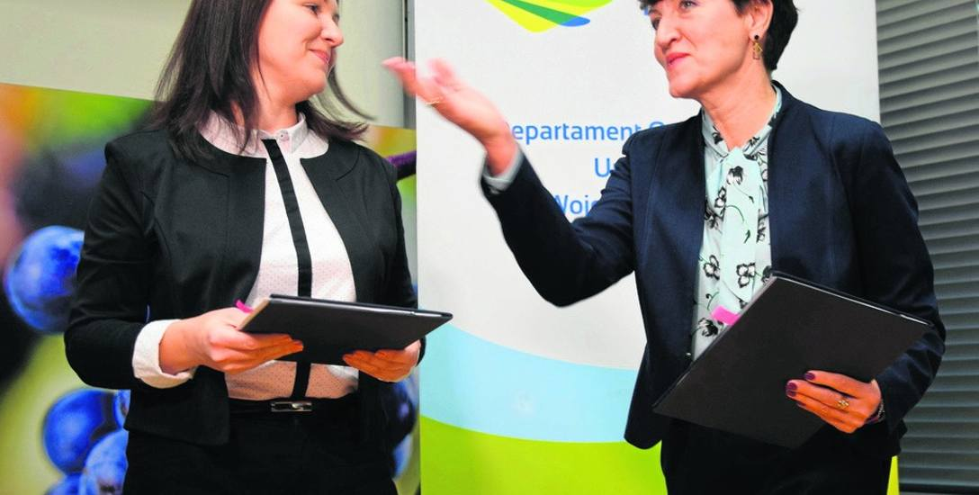 Anna Trawińska z firmy Invicta i marszałek Elżbieta Anna Polak podpisały umowę na dofinansowania leczenia niepłodności metodą in vitro dla Lubuszan