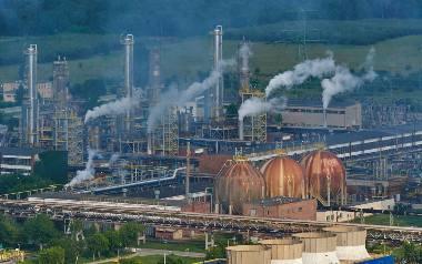 """Trwa walka o pozycję Zakładów Azotowych """"Puławy"""" w chemicznym gigancie"""