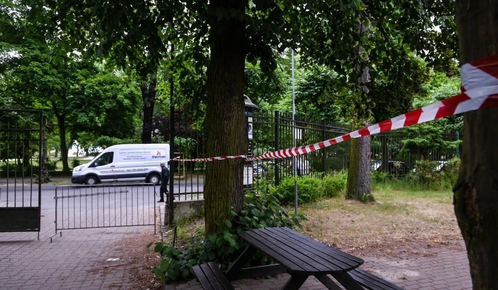 Film do artykułu: Kolejny incydent na terenie sopockich kortów. Straż miejska zdemontowała bramę wjazdową