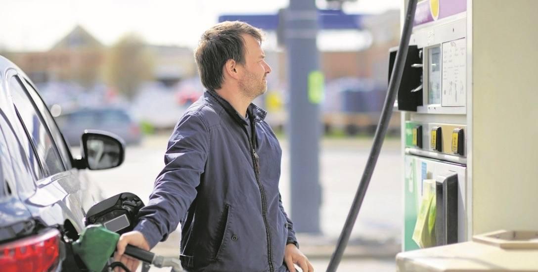 Fiskus na stacjach benzynowych. Lewe faktury na celowniku