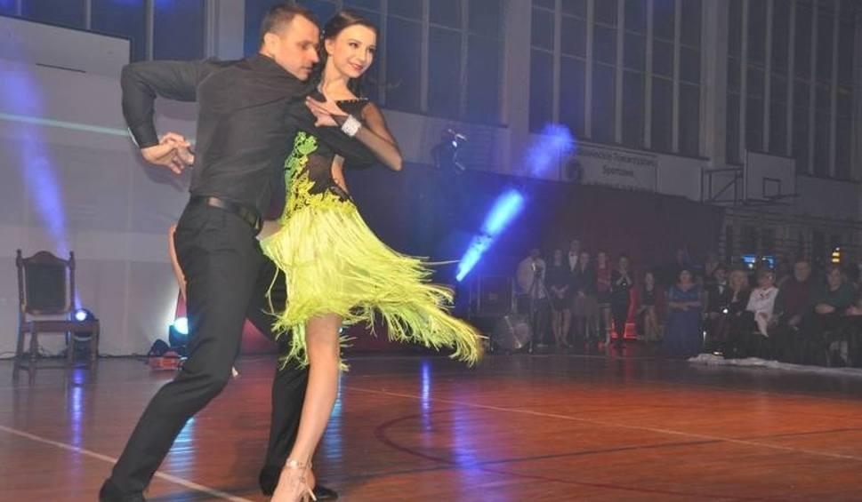 Film do artykułu: Szydłowieckie gwiazdy znów zatańczą! Po przerwie wraca kultowa impreza. Bogaty imprezowy rok Fundacji Strefa JP2 (WIDEO)