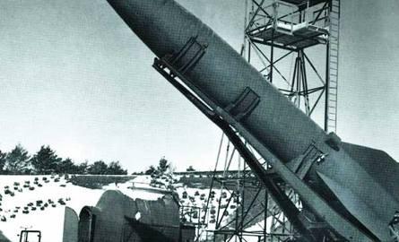 Pierwszy udany pocisk balistyczny o napędzie rakietowym. Masową produkcję uruchomiono w 1942 r. Do końca wojny odpalono 3170 pocisków, z czego 70 proc.