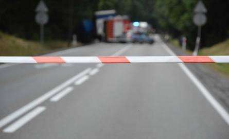 Śmiertelny wypadek na trasie Kębłowo - Strzebielino 20.06.2019. Czołowe zderzenie na drodze krajowej nr 6. Zginął kierowca auta osobowego