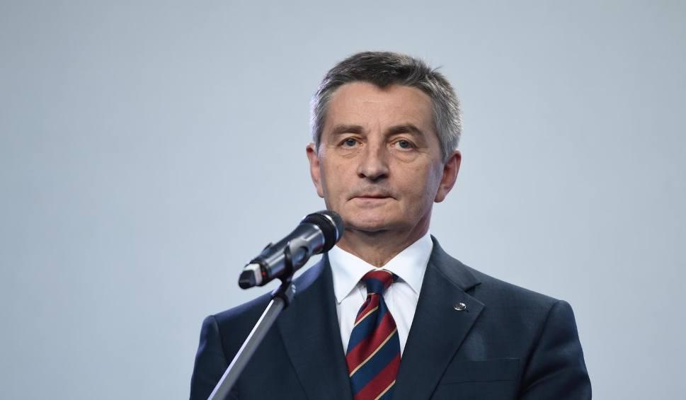 Film do artykułu: Afera z rodzinnymi lotami: Marek Kuchciński rezygnuje z funkcji marszałka Sejmu!