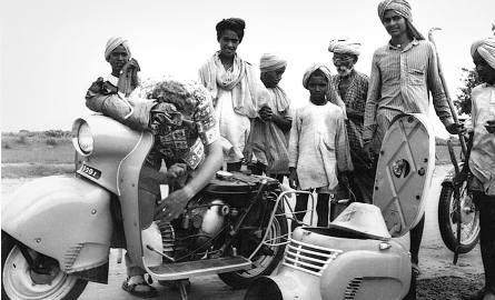 Na przełomie lat 50. i 60. Osę M 50 testowano w Indiach. Próby wykazały, że w gorącym klimacie chłodzenie osłoniętego nadwoziem silnika było niewyst