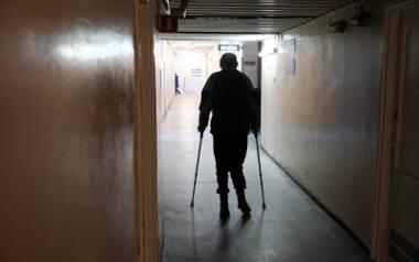 Fizjoterapeuci stawiają ludzi na nogi za głodowe wynagrodzenie