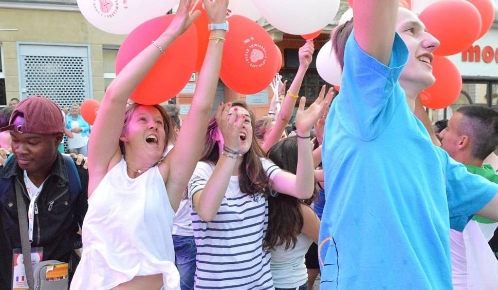 Film do artykułu: Światowe Dni Młodzieży 2016: Porywający koncert i balonikowe szaleństwo w Zielonej Górze! [WIDEO]