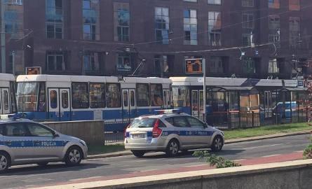 Alarm bombowy na pl. Dominikańskim i przy Legnickiej