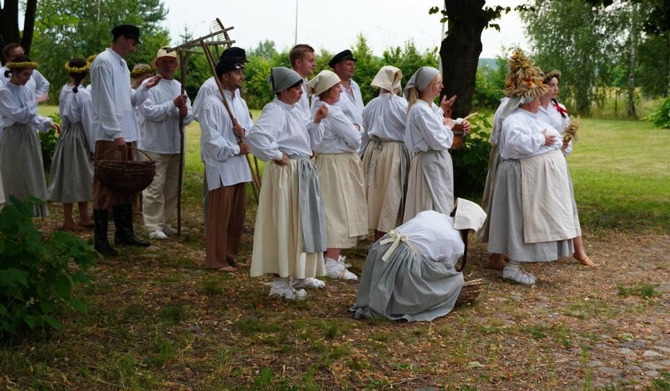 Film do artykułu: Aktorzy – amatorzy przybliżą nasze wiejskie tradycje. Powstaje etnomusical (zdjęcia)