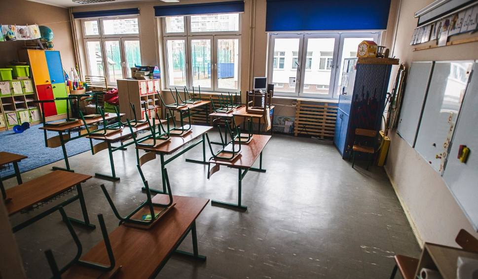 Film do artykułu: Szkoły otwarte od września! Powrót do szkół pewny - mówi Mateusz Morawiecki. Jak będzie wyglądała nauka od 1 września?  [25.06.2020]