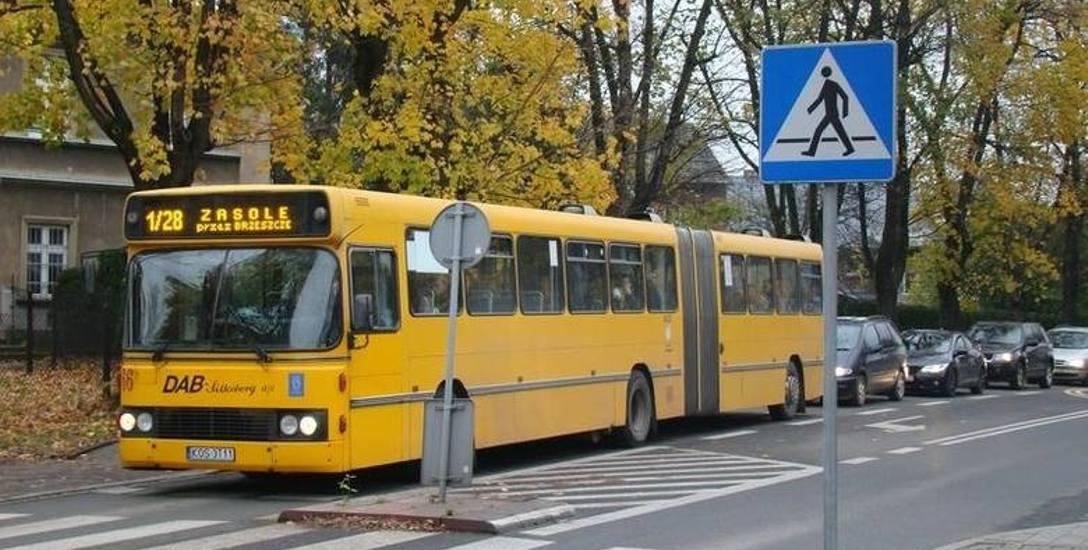 Większość obecnego taboru MZK w Oświęcimiu stanowią stare, mocno wysłużone już autobusy