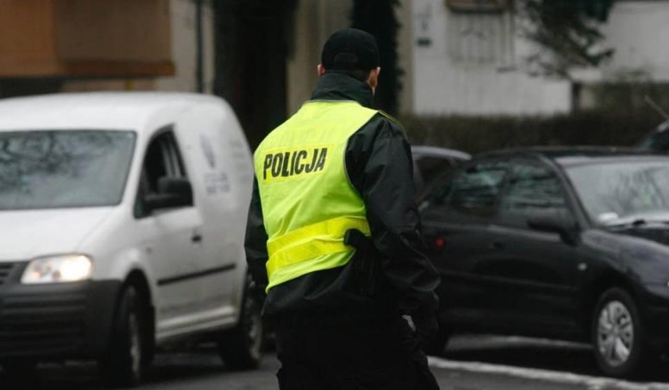 Film do artykułu: Policyjny pościg w Świętochłowicach: zatrzymano mężczyznę. Miał 2,5 promila. Policjanci oddali strzały w trakcie pogoni