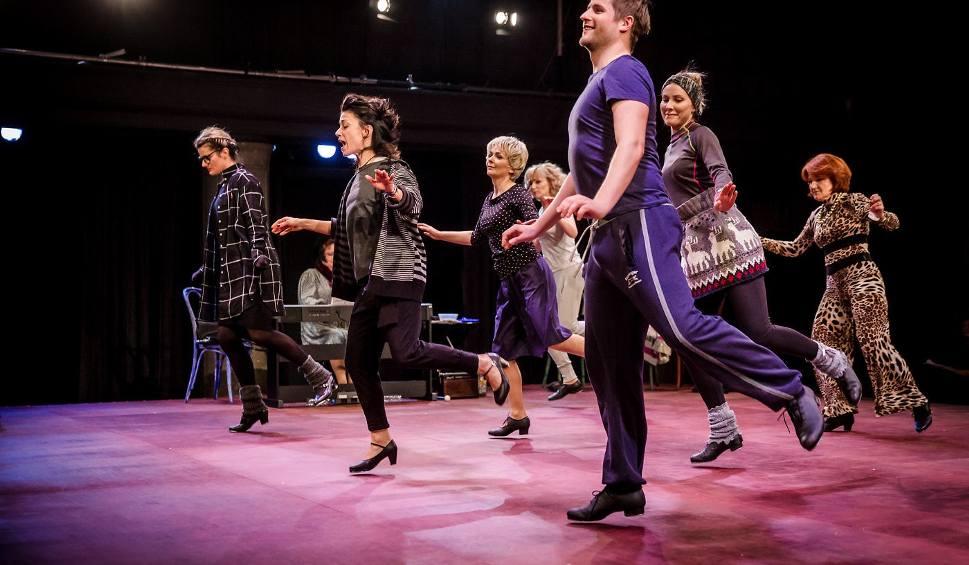 Film do artykułu: Teatralne Podróże z Kozienickim Domem Kultury. Zobacz komedię taneczną w reżyserii Krystyny Jandy