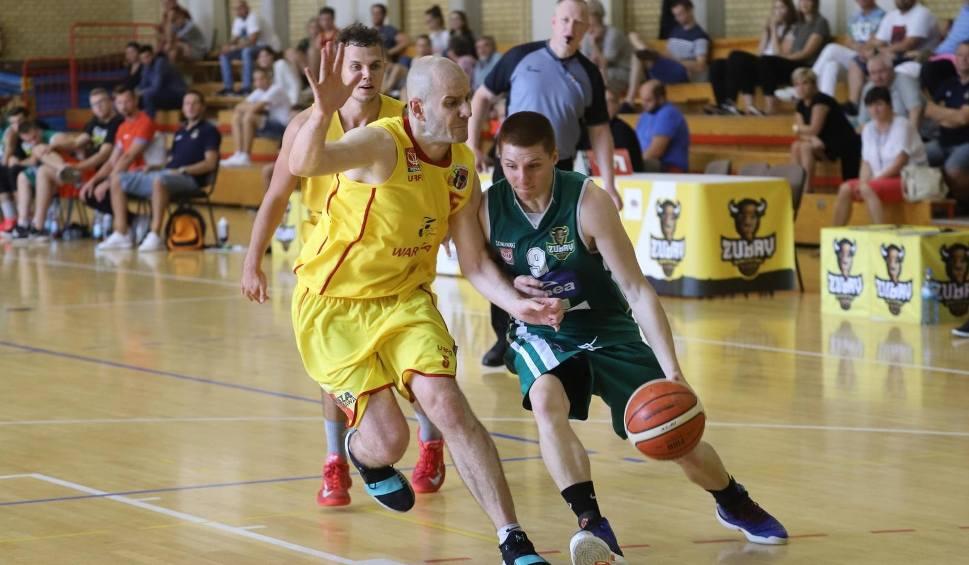 Film do artykułu: Koszykówka. Drugoligowi koszykarze sprawdzali formę [zdjęcia]