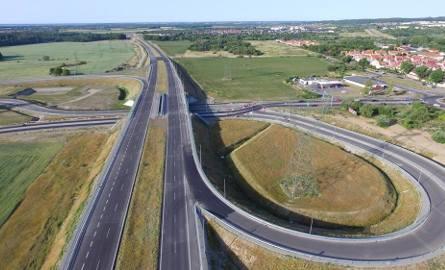 Jak przebiegają prace przy budowie obwodnicy Koszalina i Sianowa w ramach drogi ekspresowej S6? Zobaczcie najnowsze zdjęcia!Więcej o pracach przy budowie