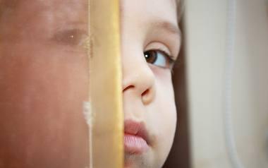 Co robić, gdy dziecko moczy się w nocy? Pediatra odpowiada