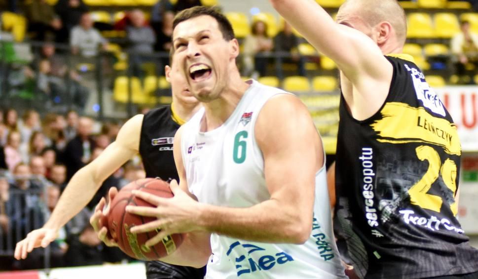 Film do artykułu: Koszykarze Stelmetu Enei BC gromią, gdy trafiają na ligowego słabeusza