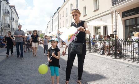 Każdy, kto w niedzielne popołudnie 29 maja 2016 roku trafi na Święto Ulicy Kilińskiego, będzie mógł obejrzeć wystawy, wziąć udział w otwartych działaniach