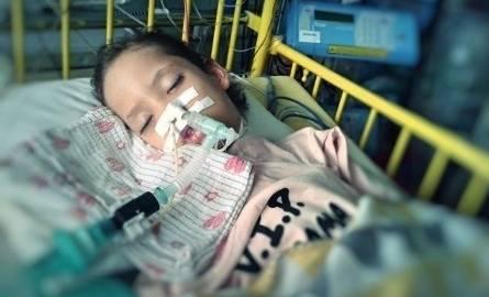 Ola, porzucona przez matkę, walczy o zdrowie. Operacja ma się odbyć 20 marca, ale brakuje pieniędzy
