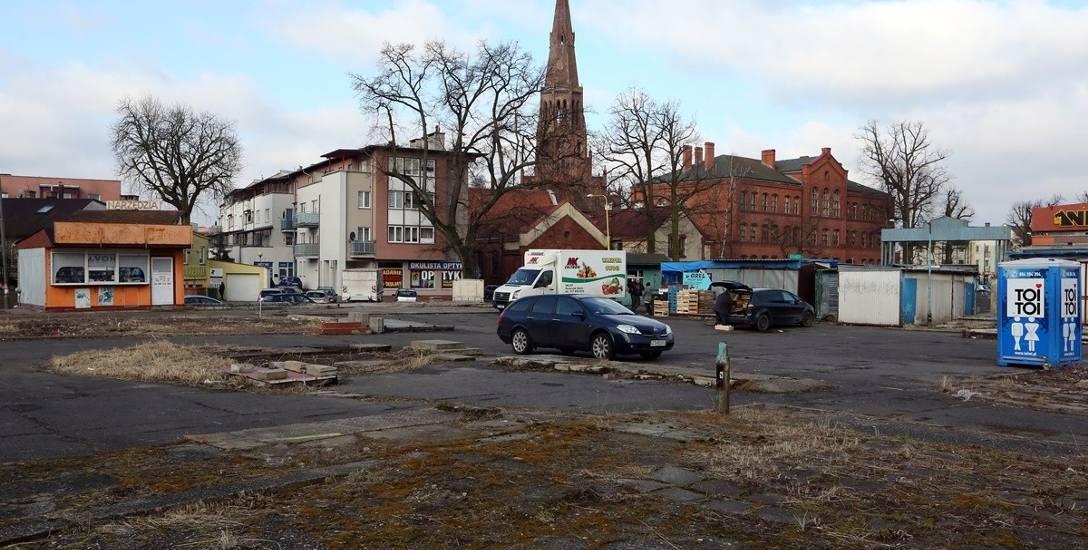 Miejsce po dawnym targowisku zostało uprzątnięte, a ogrodzenie wokół zdemontowane. W tej chwili nie ma planu zagospodarowania przestrzennego na ten