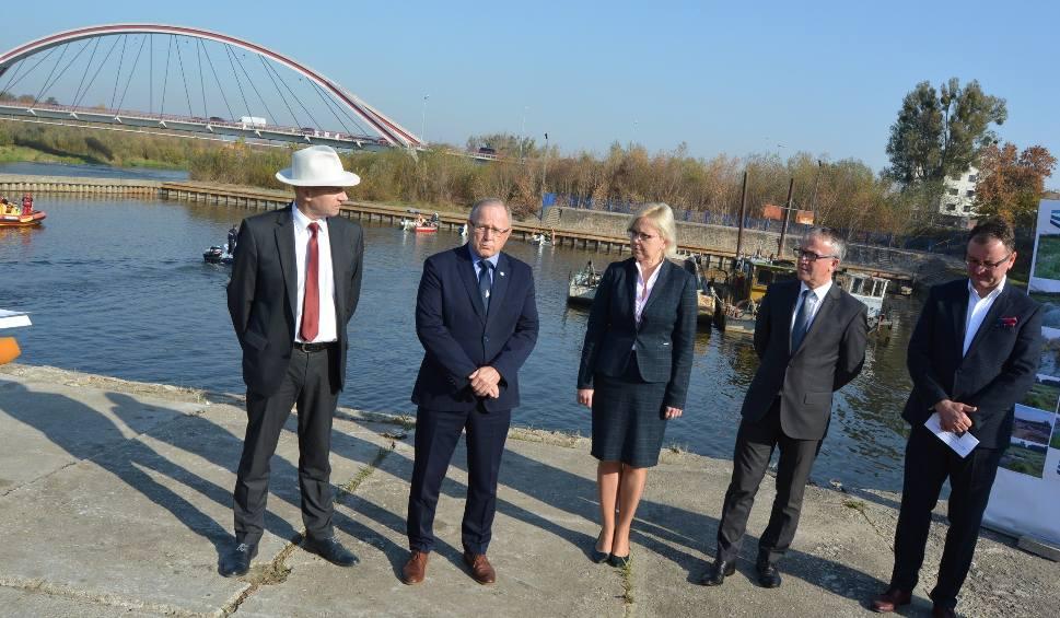Film do artykułu: Port w Ostrołęce oddany do użytku. Wpłynęły pierwsze łodzie. Są plany na jego gruntowny remont [ZDJĘCIA+WIDEO]