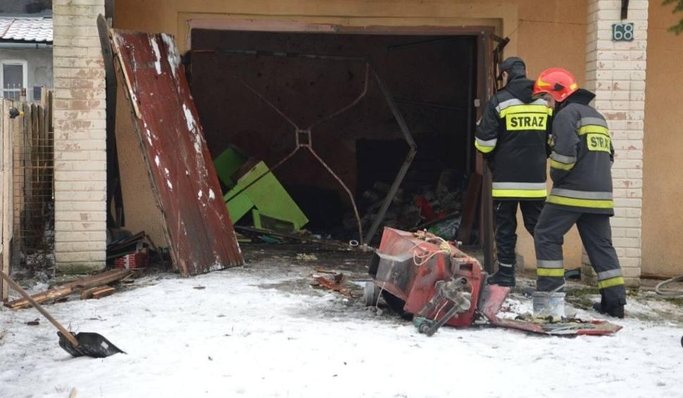 Film do artykułu: Wybuch pieca w domu w Ostrowcu. Strażacy ustalają przyczynę