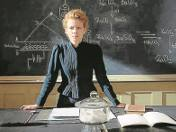 Karolina  Gruszka  jako Maria  Skłodowska-Curie