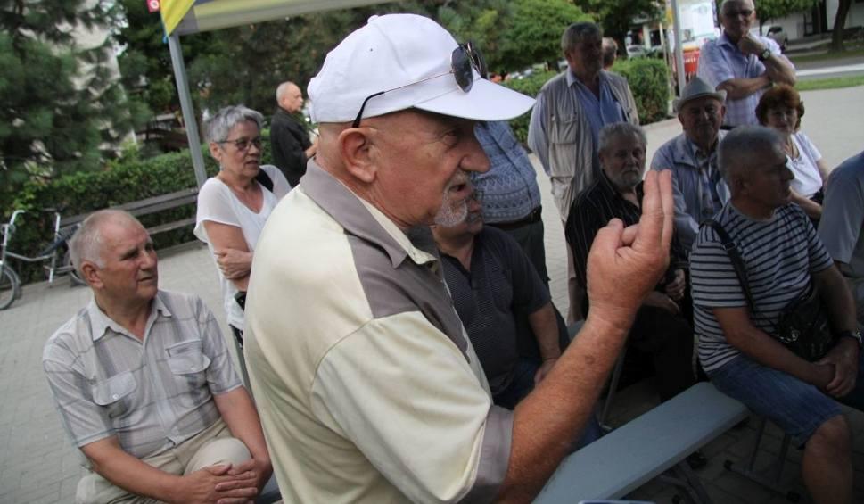 Film do artykułu: Szkoła katolicka w Tarnobrzegu wydała 400 tysięcy złotych na niewłaściwy cel, jednak zwracać dotacji nie musi